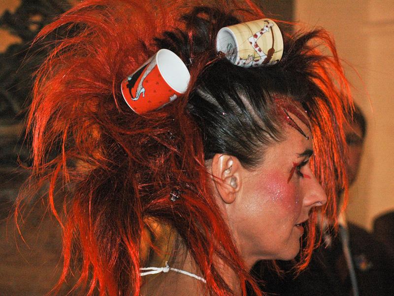 Frisur Porzellan Im Haar Ausgefallene Frisuren Gab Es Letztes Jahr Zu